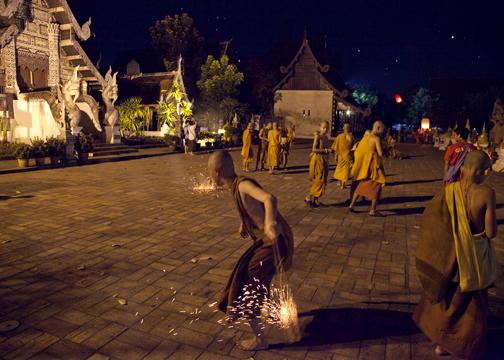 Wat Chedi Luang - young monks during Yee Peng: Chiang Mai, Thailand