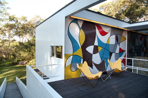 Patio of the Rose Seidler House: Wahroonga, Australia