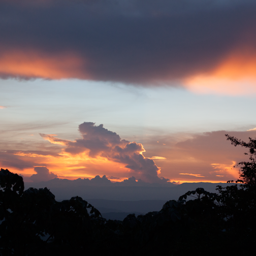 Beautiful sunset at Ecoparque Regional Alcázares-Arenillo: Manizales, Colombia