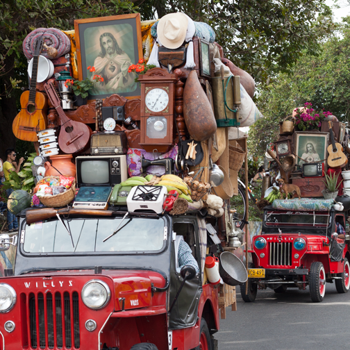 Yipao-Parade-Jeeps-with-Furniture: Armenia, Colombia